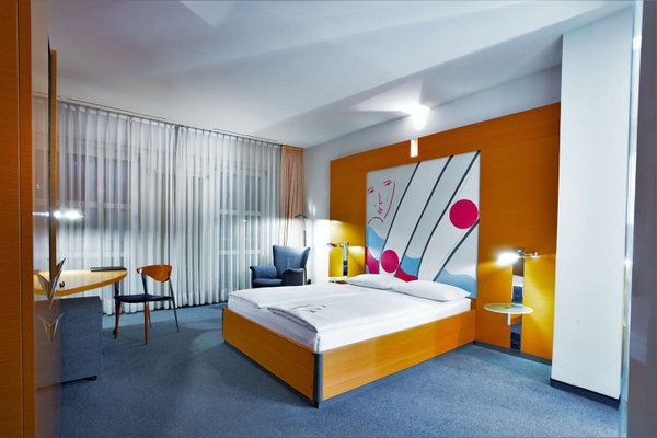 Novum Select Hotel Berlin Ostbahnhof - фото 1