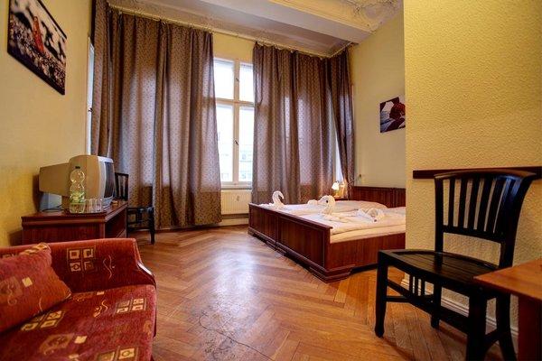Hotel Pension Bernstein am Kurfurstendamm - фото 1