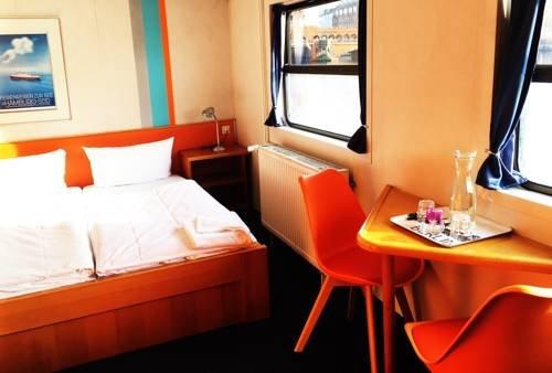 Eastern Comfort Hostel Boat - фото 2