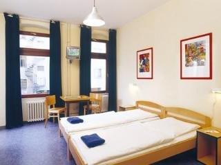 acama Hotel & Hostel Schoneberg - фото 1