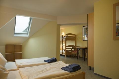 acama Hotel & Hostel Schoneberg - фото 2