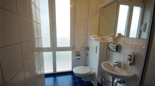Midi Inn Parkhotel Mitte - фото 9