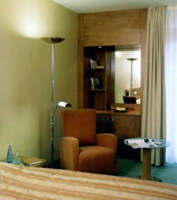 Schlosspark Hotel - фото 1