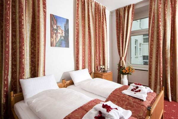 City 54 Hotel And Hostel - фото 2
