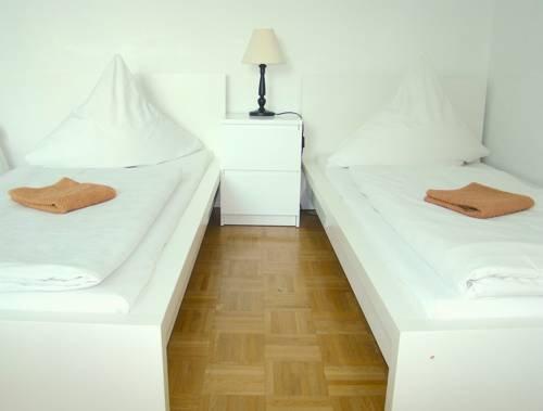 Apartment near Kurfurstendamm - фото 12
