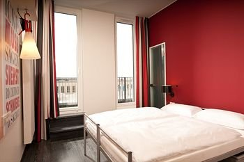 ONE80° Hostels Berlin - фото 1