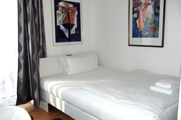 Bananas Berlin Gay Guesthouse - фото 9