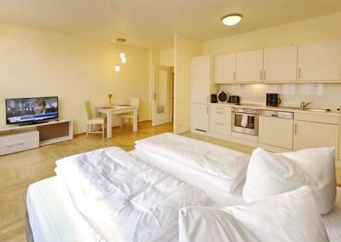 AMC Apartments - фото 10