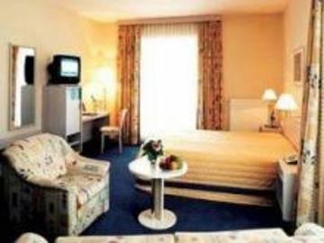 City Hotel Frankfurt Bad Vilbel - фото 1