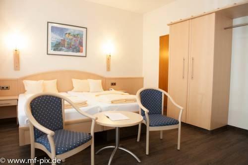 Hotel Vier Jahreszeiten - фото 2