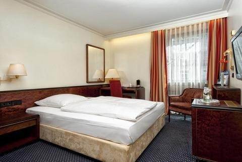 Radisson Blu Badischer Hof Hotel - фото 2