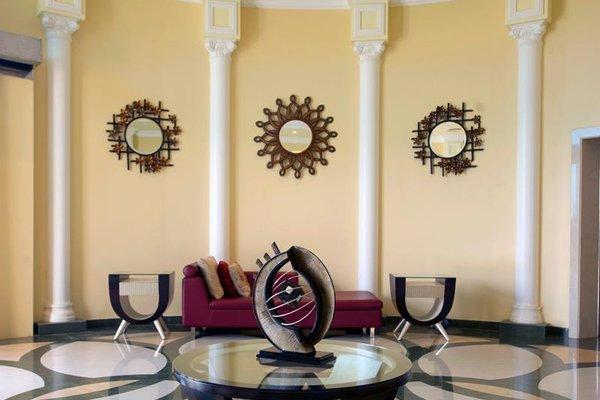 Al Hamra Palace Beach Resort - фото 10