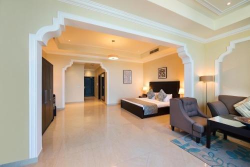 Al Hamra Palace Beach Resort - фото 14