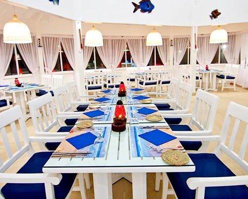 Al Hamra Palace Beach Resort - фото 15