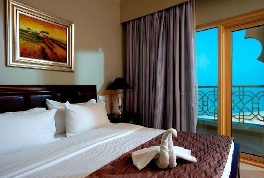 Al Hamra Palace Beach Resort - фото 2