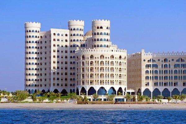 Al Hamra Palace Beach Resort - фото 23