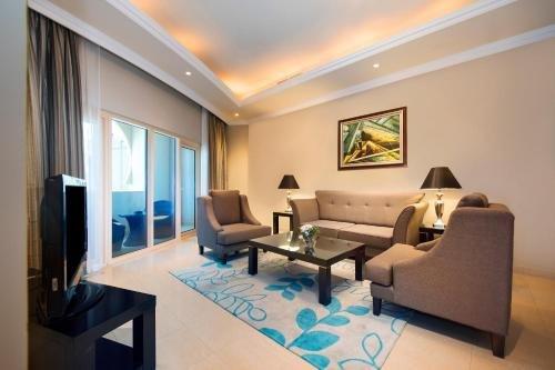 Al Hamra Palace Beach Resort - фото 5