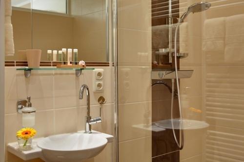 Hotel Klein & Fein Bad Breisig - фото 9