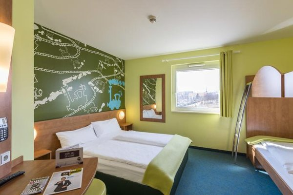 B&B Hotel Augsburg - фото 1