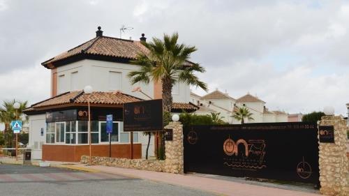Apartamentos Playa Golf - фото 50