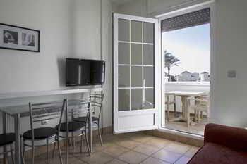 Apartamentos Playa Golf - фото 10