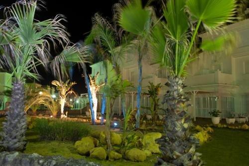 Apartamentos Playa Golf - фото 17