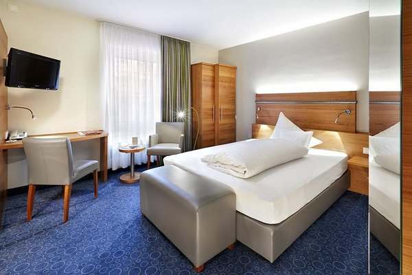 Zum Goldenen Ochsen, Hotel & Gasthaus am Schlossgarten - фото 2