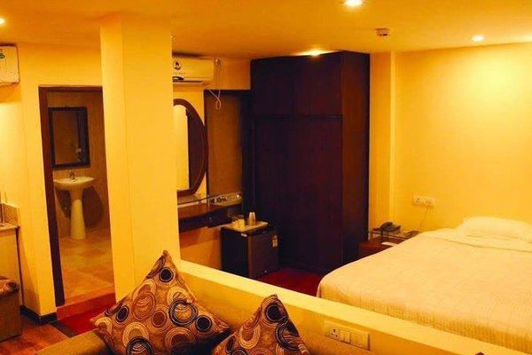 Yellow Pagoda Hotel - фото 2