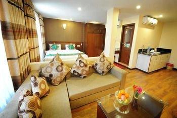 Yellow Pagoda Hotel - фото 3
