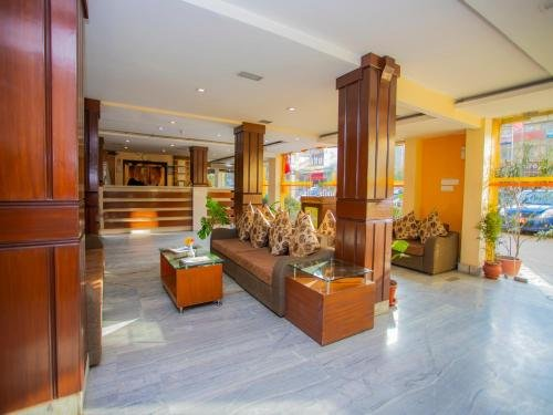 Yellow Pagoda Hotel - фото 5