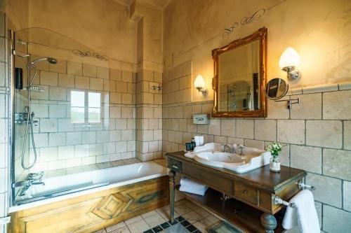 Schlosshotel Weyberhoefe - фото 9