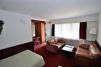 Hotel La Tour - фото 1