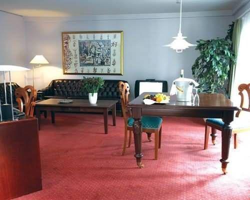 Hotel La Tour - фото 11