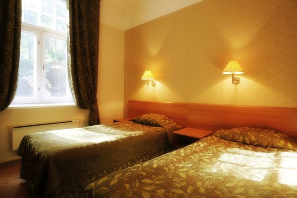 Barclay Hotel - фото 1