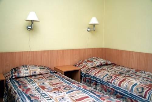 PARK HOTELL - фото 0
