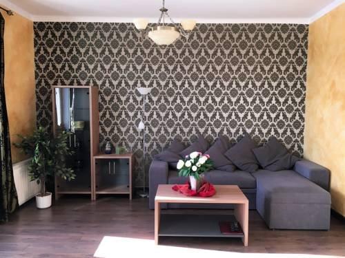 Romeo Family Apartments - фото 8