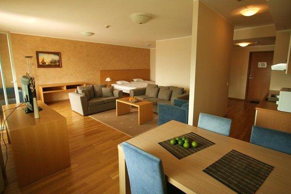 Adelle Apartments - фото 1