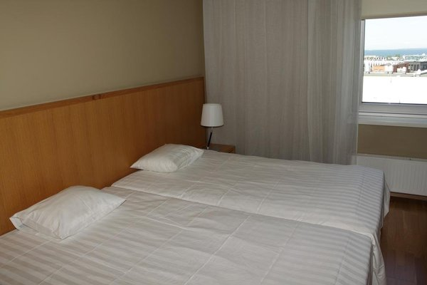 Adelle Apartments - фото 3