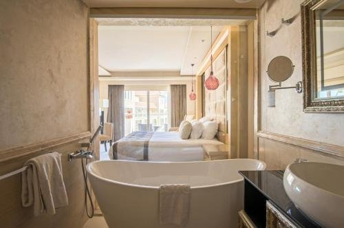 Premier Romance Boutique Hotel & Spa (Adults Only) - фото 8