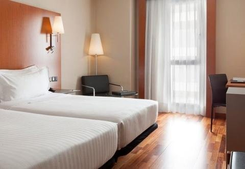 AC Hotel Zaragoza Los Enlaces, a Marriott Lifestyle Hotel - фото 1