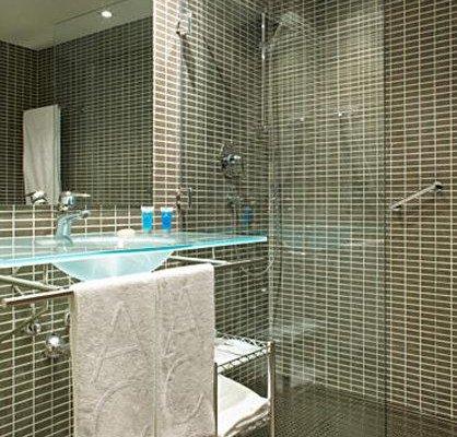 AC Hotel General Alava, a Marriott Lifestyle Hotel - фото 9