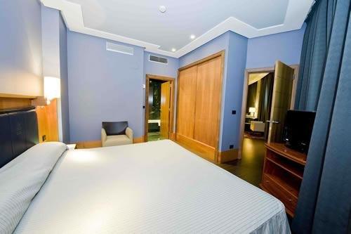 Gran Hotel Lakua - фото 2