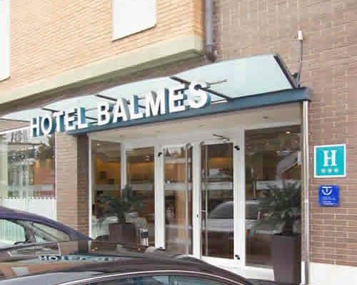 Hotel J. Balmes Vic - фото 10