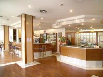 Hotel J. Balmes Vic - фото 19