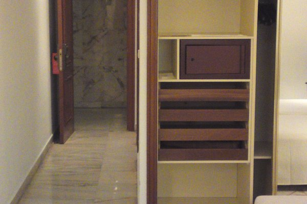 Hotel Turia - фото 8