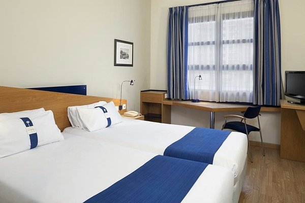 Holiday Inn Express Ciudad de las Ciencias - фото 1