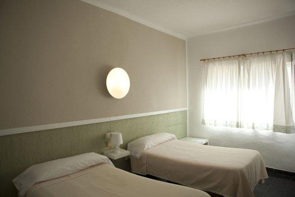 Malvarrosa Beach Rooms - фото 3