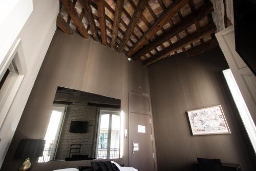 Cosy Rooms Embajador - фото 4