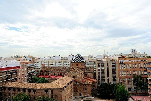 Valencia Central Apartments - фото 18