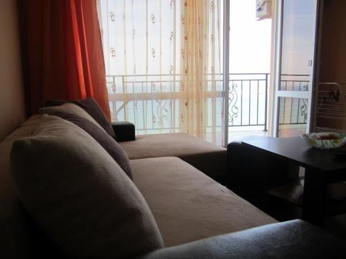 Akra Apartments - фото 2